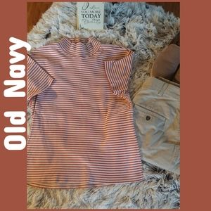OLD NAVY SHORT SLEEVE TOP.